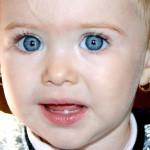 Когда у детей выпадают молочные зубы?