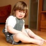 Детские истерики: почему маленькие дети плачут ?