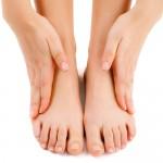Отекают ноги в щиколотках: причина, чем лечить